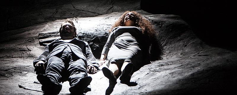 Gábor Bretz (Herzog Blaubart), Nora Gubisch (Judith)