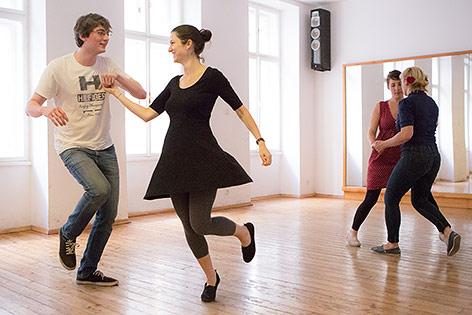 Eindrücke aus einem Lindy-Hop-Tanzkurs