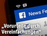 Screeshot eines Facebook-News-Feeds auf einem Smartphone