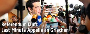 Alexis Tsipras bei Stimmabgabe