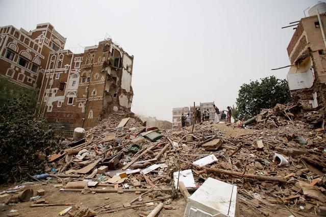 Zerstörung nach Luftangriffen in Sanaa