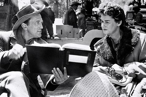 Filmdreharbeiten aus dem Jahr 1955 mit Kirk und Diana Douglas
