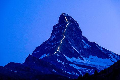 Lichterkette auf das Matterhorn