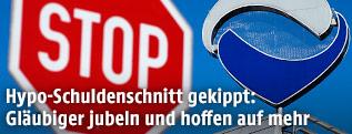 Stop-Tafel vor Zentrale der Hypo Group Alpe Adria-Bank