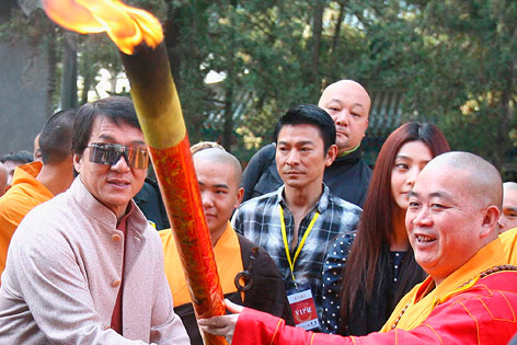 Jackie Chan und Shi Yongxin
