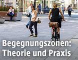 Menschen auf der Wiener Mariahilferstraße