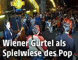 Livekonzert vor den Wiener Gürtelbögen