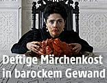 """Salma Hayek in einer Filmszene in """"Märchen der Märchen"""""""
