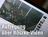 Abfotografierter Bildschirm auf dem das Video abgespielt wird