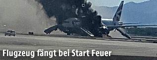 Brennendes Passagierflugzeug am Flughafen von Las Vegas
