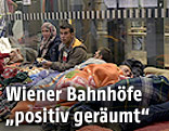 Schlafende Menschen am Wiener Hauptbahnhof