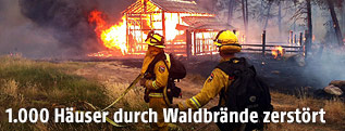 Brennendes Haus in Kalifornien