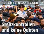 Polzeiblockade vor Flüchtlingen bei der Grenze zu Österreich in Nickelsdorf