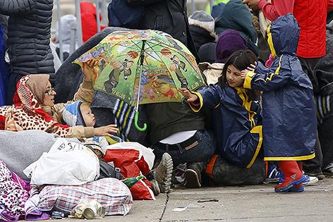 Flüchtlinge an der österreichisch-ungarischen Grenze