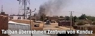 Rauchwolke über Kunuz-Stadt