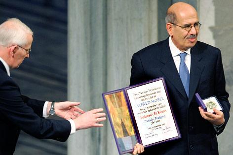 Mohamed ElBaradei und Ole Danbolt Mjoes