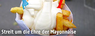 Pommes frittes mit Mayonnaise