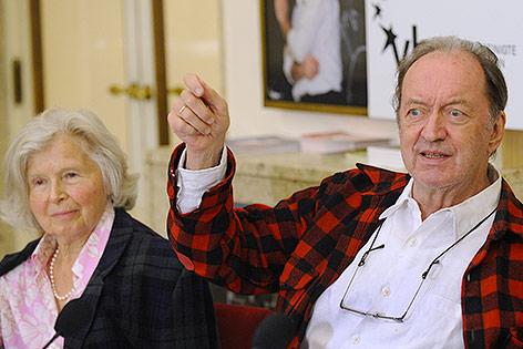 Dirigent Nikolaus Harnoncourt mit Ehefrau Alice