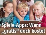 Kinder mit einem Tablet