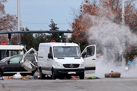 Kontrollierte Sprengung eines vermeintlichen Sprengsatzes am Flughafen von Sofia