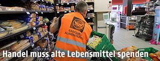 Supermarktlebensmittel werden einer wohltätigen Einrichtung gespendet