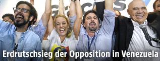 """Jubel von Lilian Tintori und Freddy Guevara (Bündnis """"Mesa de la Unidad Democratica"""" MUD)"""
