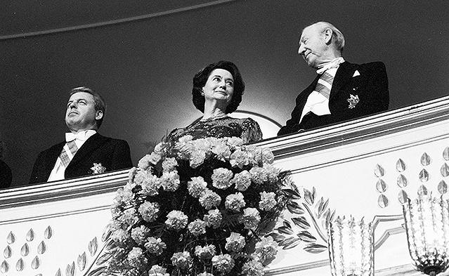 Der ehemalige Bundeskanzler Franz Vranitzky und der ehemalige Bundespräsident Kurt Waldheim mit seiner Gattin (1992)