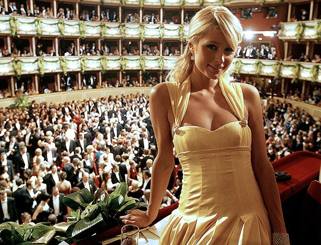 Paris Hilton in einer Loge am Opernball (2007)