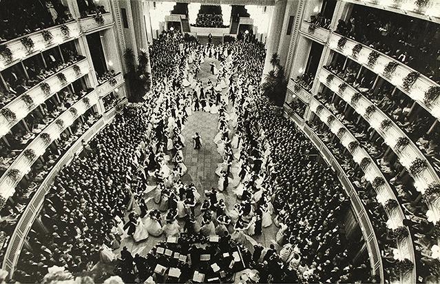 Blick auf den Ballsaal (1960)