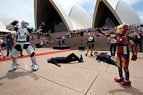 Ein Neunjähriger Bub ist in Sydney als Comic-Superheld Iron Man verkleidet