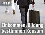 Frau mit einer Einkaufstasche