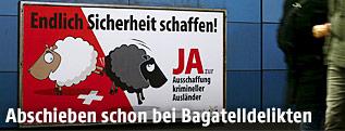 """Plakat der SVP-Initiative """"Durchsetzungsinitiative"""""""