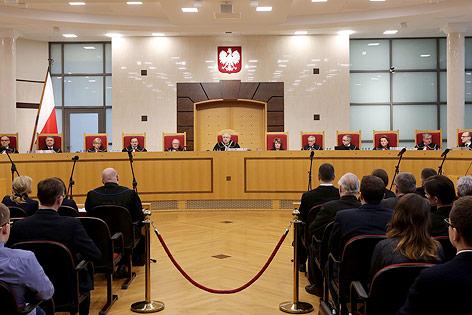 Polens Verfassungsrichter bei einer Sitzung des Verfassungstribunals