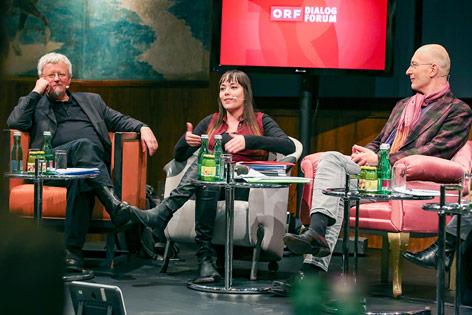 Prof. Rudolf de Cillia (Universität Wien), Yasmo (Poetry Slammerin), Konrad Mitschka (ORF-Public-Value-Kompetenzzentrum)