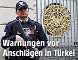 Türkischer Polizist vor der deutschen Botschaft in Istanbul
