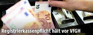 Euro-Scheine in Registrierkasse