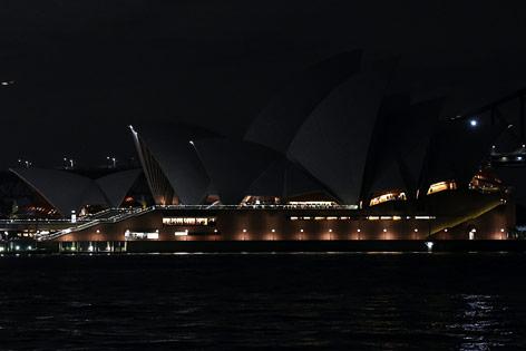 Das unbeleuchtete Opernhaus in Sydney