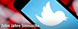 Twitter-Logo auf Handy