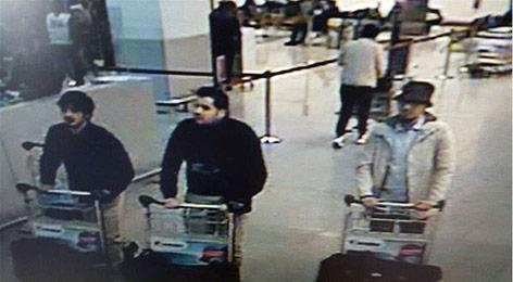 Überwachungsbild der mutmaßlichen Attentäter