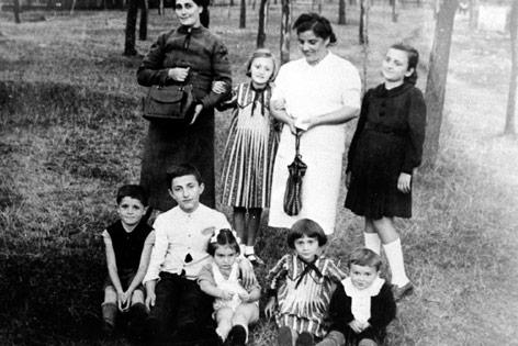 Madeleine Albright als Kind während des Weltkriegs