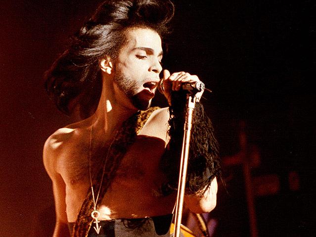 Prince bei einem Benefizkoncert 1990.