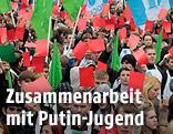 Aktivisten der Jungen Garde Putin