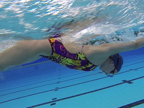 Schwimmende Person
