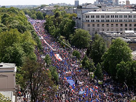Proteste gegen die Regierung in Warschau