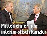 Der interimistische Bundeskanzler Reinhold Mitterlehner (ÖVP) und Bundespräsident Heinz Fischer (SPÖ)