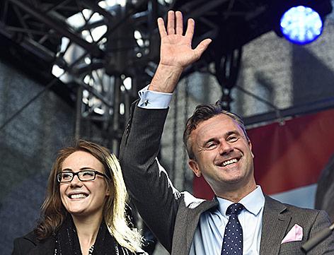 FPÖ-Präsidentschaftskandidat Norbert Hofer mit Ehefrau Verena