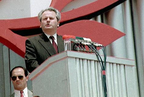 Der ehemalige serbische Präsident Slobodan Milosevic während seiner Amselfeld-Rede, 1989