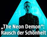 "Szene aus dem Film ""The Neon Demon"""