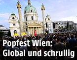 Zuschauer auf dem Popfest am Wiener Karlsplatz