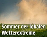 Sturm über einem Feld